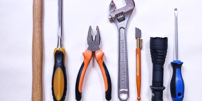 5 outils indispensables au bricoleur du dimanche ou d butant. Black Bedroom Furniture Sets. Home Design Ideas