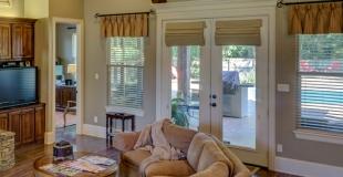 Comment choisir le matériau d'une porte-fenêtre ? Avantages et inconvénients !