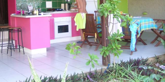 comment am nager soi m me un coin cuisine d 39 t au jardin. Black Bedroom Furniture Sets. Home Design Ideas
